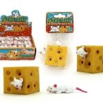 Stretchy Cheese Block With 2 Mice